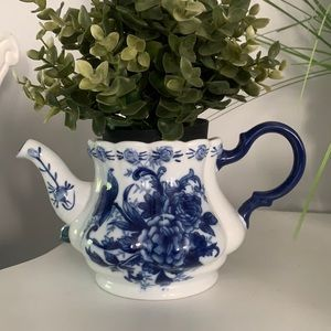 Blue & White Teapot planter chinoiserie ceramic collectibles classic traditional